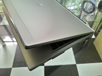 HP EliteBook 2570p (Intel Core i5-3320M 2.6GHz, 4GB RAM, 320GB HDD – 12.5 inch)