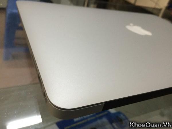 MacBook Air MD760 13-3