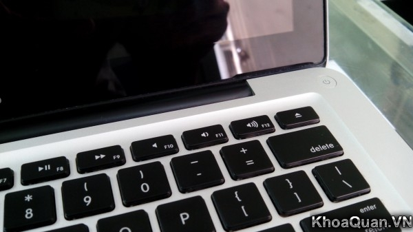 Macbook Pro MC700 15-9