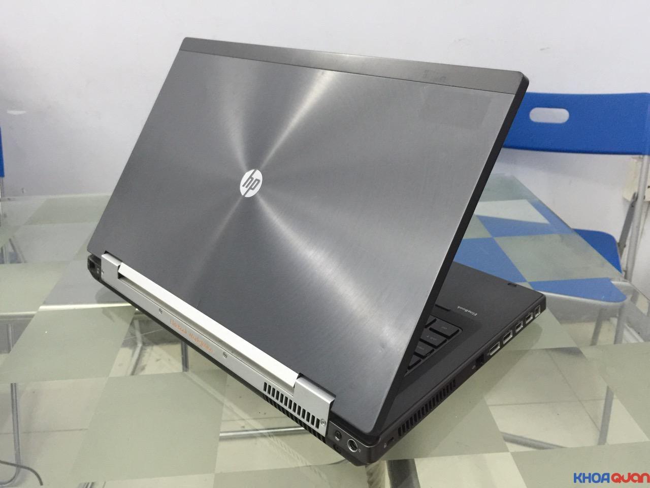 HP Elitebook 8760W-i7-17-2