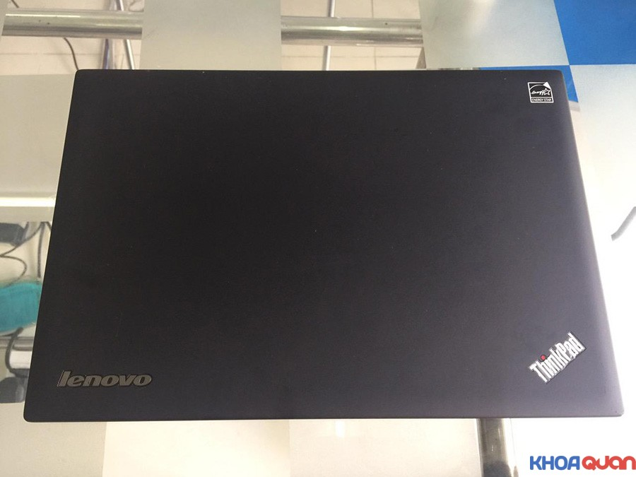 Lenovo-Thinkpad-X1-Carbon-14-touch-5