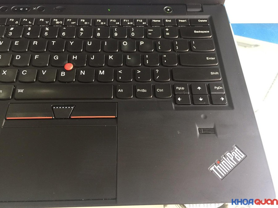 Lenovo-Thinkpad-X1-Carbon-14-touch-6