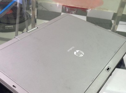 HP EliteBook 2740p I5 12-1