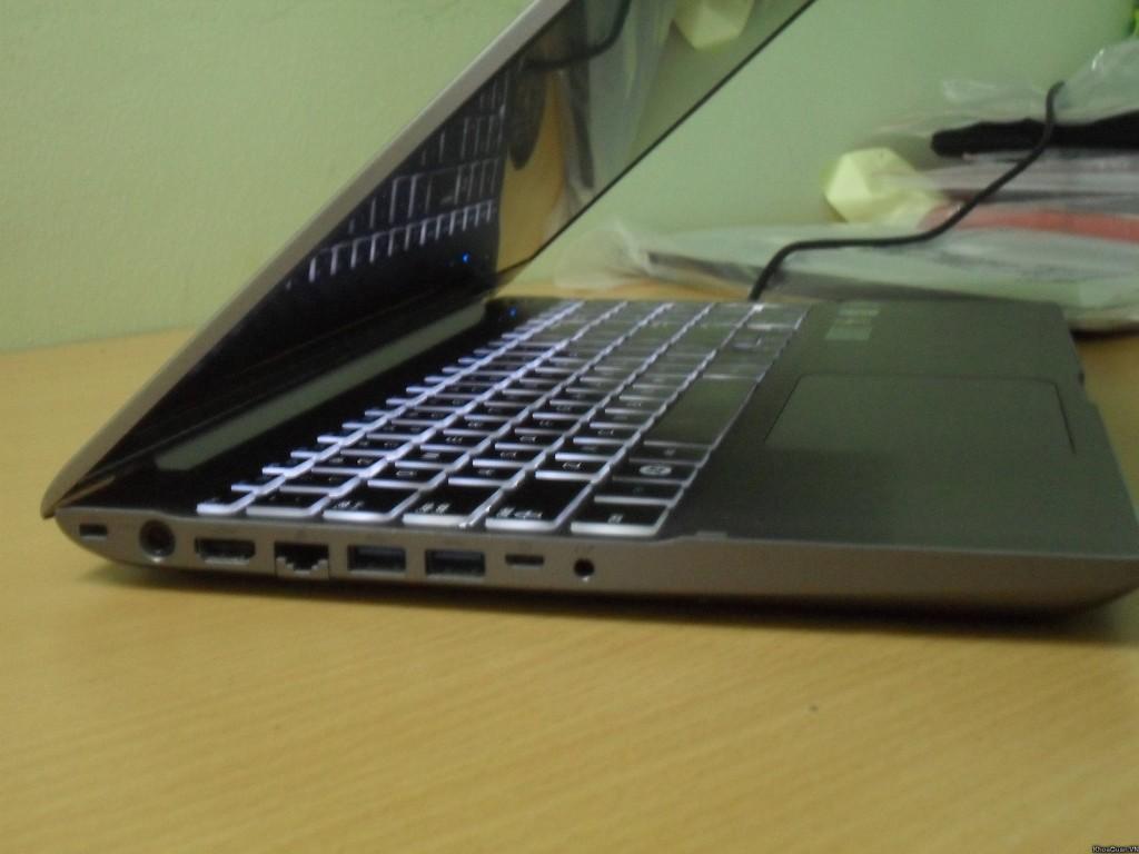 Samsung 700z I7 15-6