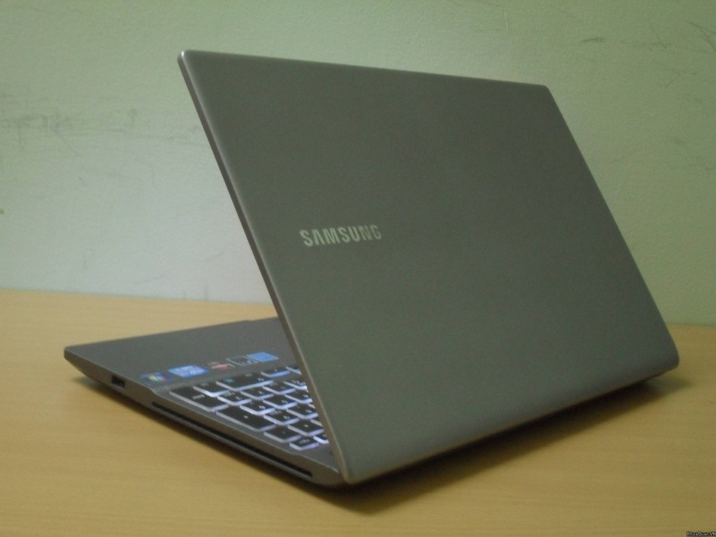 Samsung 700z I7 15-8
