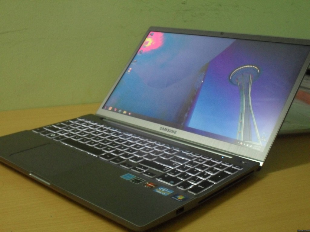 Samsung 700z I7 15-9
