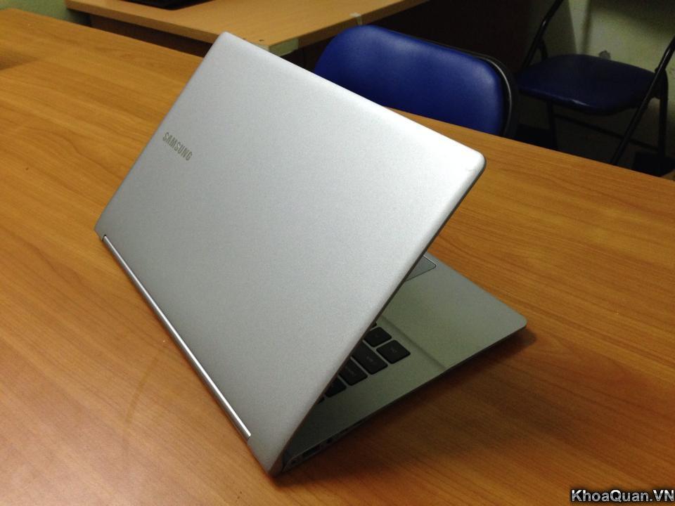 Samsung Series 9 i7 15-6
