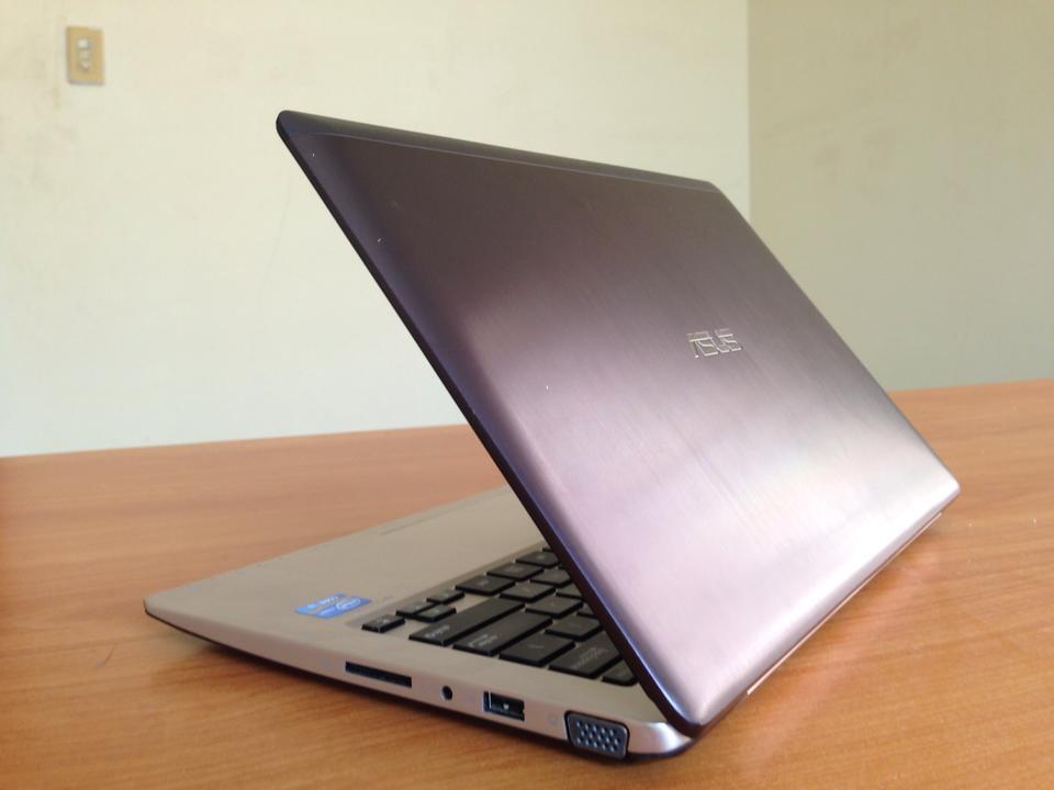 Vivobook Asus X202E I3 11-3