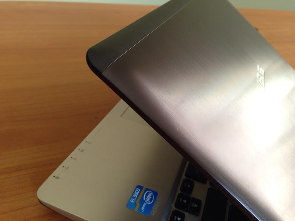 Vivobook Asus X202E I3 11-9