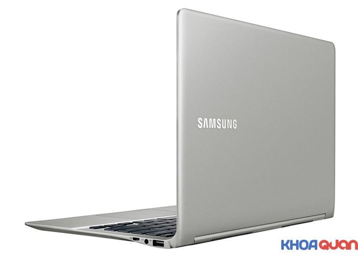 SAMSUNG-NP900X3L-3