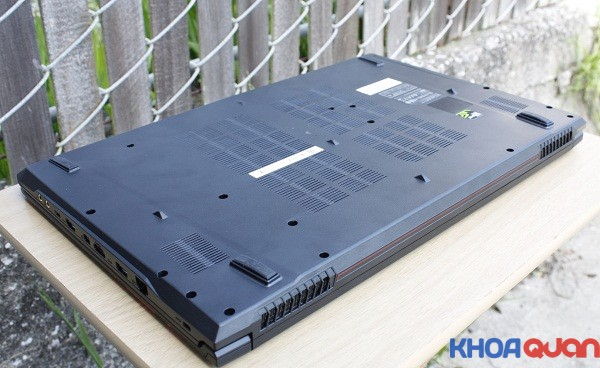 gioi-thieu-dong-laptop-choi-game-khung-msi-gl72-6qf-3