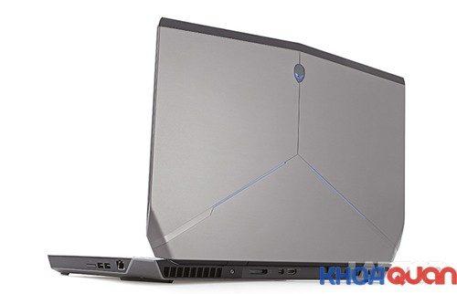 mau-laptop-danh-cho-game-thu-alienware-17-2015.4