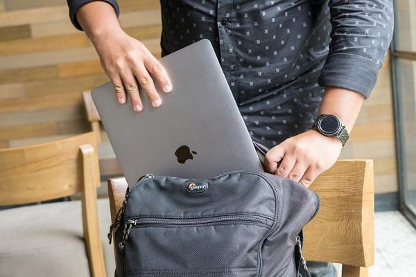nen mua balo laptop hang nao, Nên mua balo laptop hãng nào