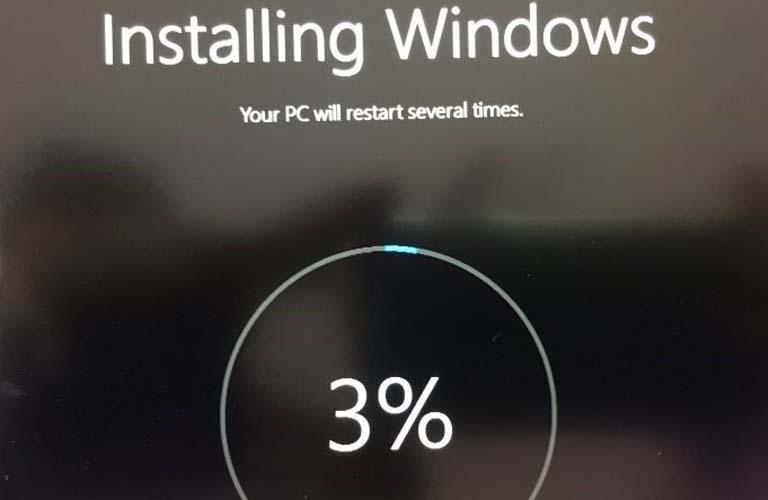 Cài đặt lại hệ điều hành Windows để có thể sửa được lỗi mà bạn đang gặp