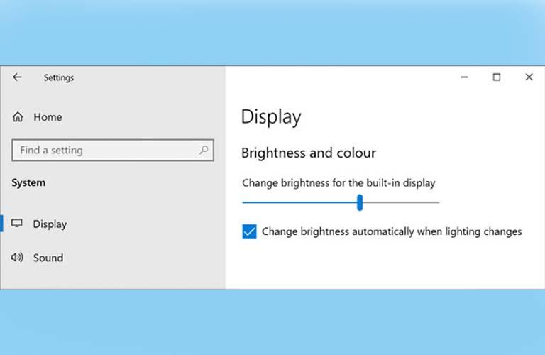 Các bạn chỉnh độ sáng tối của màn hình bằng cách kéo qua trái hoặc qua phải