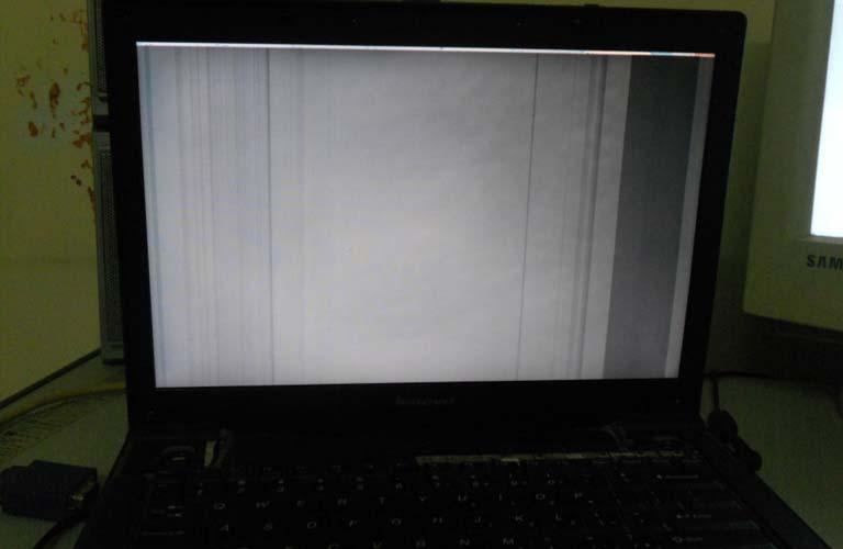 Lý do máy tính xách tay của bạn lại bị lỗi màn hình trắng có rất nhiều và theo nhiều hình thức