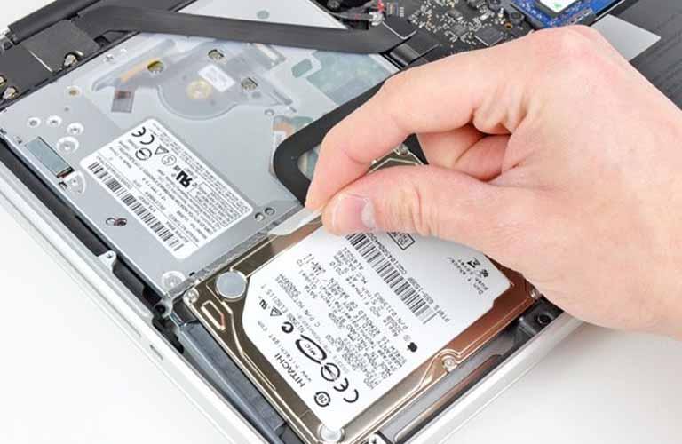 Có nhiều nguyên nhân dẫn đến lỗi ổ cứng và bạn có thể gặp phải