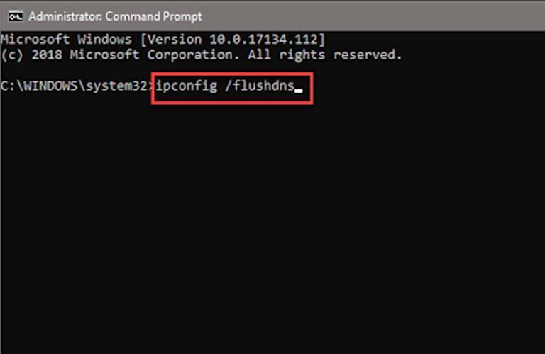 Gõ lệnh ipconfig /flushdns vào rồi nhấn phím Enter để máy chạy lệnh