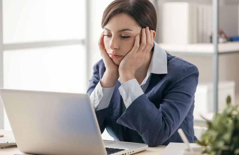 Laptop chạy quá chậm sẽ khiến bạn mệt mỏi và đây cũng là dấu hiệu lỗi RAM