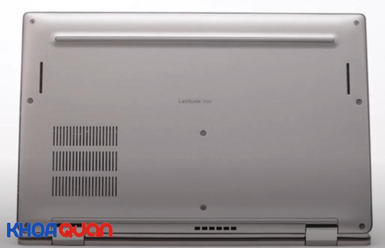Hệ thống tản nhiệt sau lưng máy giúp làm mát hệ thống nhanh chóng